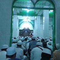 Photo taken at Masjid Alkhairaat by Marwan M. on 8/18/2013