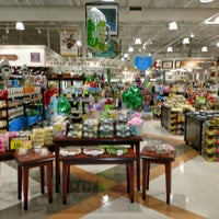 Photo taken at Harris Teeter by Rob D. on 3/11/2017
