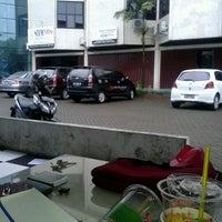 Photo taken at STIM NITRO Makassar by Hedd B. on 2/21/2013