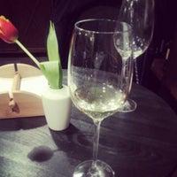Снимок сделан в Pro Wine's пользователем Madeline 3/15/2013