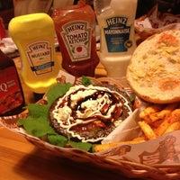 1/1/2013 tarihinde Ahmetziyaretçi tarafından Route Burger House'de çekilen fotoğraf