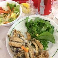 Photo taken at Yeşillik balık & salata by Soner H. on 12/11/2012