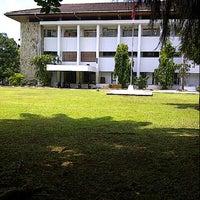 Photo taken at Institut Pemerintahan Dalam Negeri (IPDN) by zean oedin A. on 12/20/2012