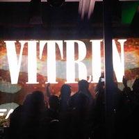 2/22/2013 tarihinde Erdal B.ziyaretçi tarafından Vitrin Club'de çekilen fotoğraf