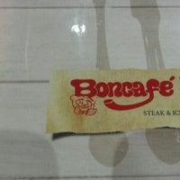 Photo taken at Boncafe Steak & Ice Cream by Yusrii f. on 11/30/2015