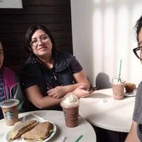 5/15/2017 tarihinde Xelita E.ziyaretçi tarafından Starbucks'de çekilen fotoğraf