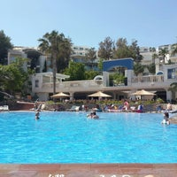 Photo taken at İsis Hotel Pool by Gökhan S. on 5/18/2015