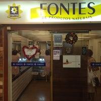 Photo taken at Fontes de Produtos Naturais by Glauco Z. on 12/9/2012