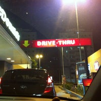 Foto tirada no(a) McDonald's por Aline A. em 1/13/2013