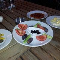 7/26/2013 tarihinde Taşkin T.ziyaretçi tarafından Ustadan Döner'de çekilen fotoğraf