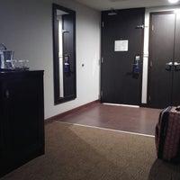 Photo taken at Hilton Phoenix/Mesa by Sarrina P. on 6/26/2017