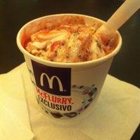 Foto tomada en McDonald's por Daniela L. el 10/19/2013