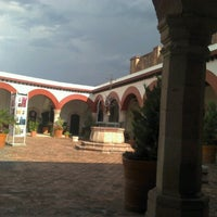 Photo taken at UG Sede Valenciana by Mafa H. on 10/30/2012