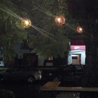 Foto tomada en falafelito por Lorena el 6/13/2013