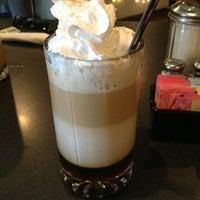 Das Foto wurde bei Cafe Java von Chris D. am 12/24/2012 aufgenommen