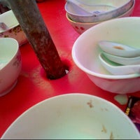 Photo taken at Cendol Bandar Tangkak (bus stand) by Ismail D. on 10/18/2012