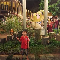 Photo taken at Kampung Makan by Ian D. on 8/2/2014