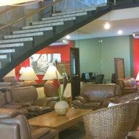 Foto tomada en Hotel Ciudad Bonita por Angie 👩🏻🔬 el 9/26/2012