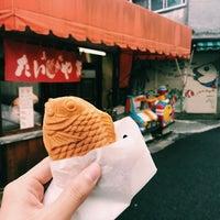 Photo taken at たい焼き 万龍 by Tamaki on 3/18/2017