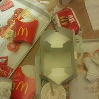 Foto tomada en McDonald's por Alexandra T. el 10/26/2012