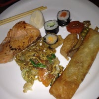 Photo taken at Restaurante Sushi & Grill by Isabela on 7/18/2013