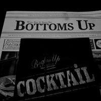 รูปภาพถ่ายที่ Bottoms Up โดย McQueeN M. เมื่อ 10/18/2013