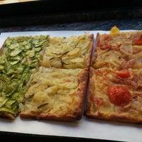 Foto scattata a Pizza Luigi da sandra s. il 2/16/2013