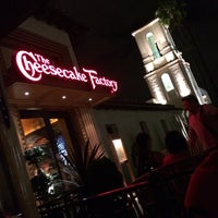 Photo prise au The Cheesecake Factory par Hashim B. le9/27/2014