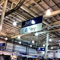 Photo taken at S&R Membership Shopping by Shania Z. on 11/3/2012