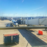 Photo taken at Gate B6 by Bee on 1/23/2017