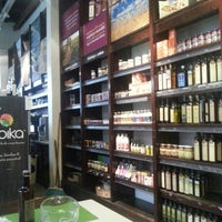Photo taken at Go in! Gourmet & Natural by Ricardo C. on 9/22/2013