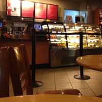 Das Foto wurde bei Starbucks Coffee von Leonardo S. am 12/6/2012 aufgenommen