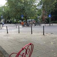 Das Foto wurde bei Ludwigkirchplatz von Stephanie H. am 8/28/2016 aufgenommen