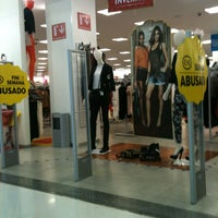 Photo taken at Shopping Poços de Caldas by Leandro R. on 3/23/2013