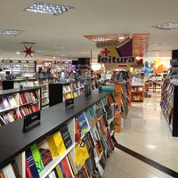 Photo taken at Livraria Leitura by Milton L. on 12/16/2012