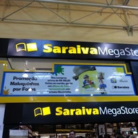 Das Foto wurde bei Saraiva MegaStore von Diogo C. am 10/14/2012 aufgenommen