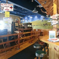 Foto tomada en Wild Willy's Burgers por Robin M. el 9/15/2012