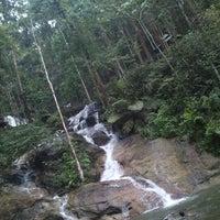 Photo taken at Kanching Waterfall by Wahyu D. on 4/6/2013