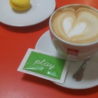 Снимок сделан в Café Café пользователем Lanovski 6/1/2014