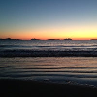 Photo taken at Praia de Samil by Gon E. on 6/8/2013