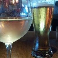 Foto diambil di Rock Bottom Restaurant & Brewery oleh Savannah H. pada 8/26/2013