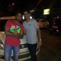 รูปภาพถ่ายที่ Makaloo Restaurant And Bar โดย Nikhil M. เมื่อ 9/15/2012