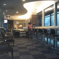 Photo taken at Blue Sky Executive Lounge by Agoezzt on 5/21/2014