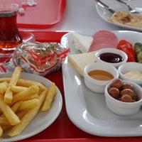 รูปภาพถ่ายที่ Waffle & Gozleme Evi โดย Gül Y. เมื่อ 12/2/2013