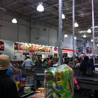 Foto diambil di Costco Wholesale oleh Alan S. pada 10/7/2012