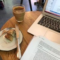 Снимок сделан в Irving Farm Coffee Roasters пользователем Amber 6/19/2018