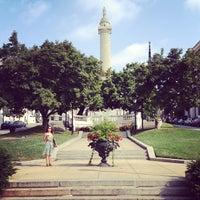 Foto diambil di Mount Vernon Place oleh Amber pada 8/30/2013