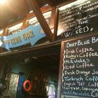 10/27/2012 tarihinde Can B.ziyaretçi tarafından Deep Blue Bar'de çekilen fotoğraf