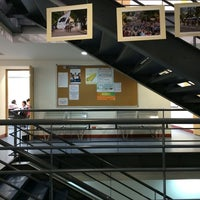 Photo taken at Alianza Colombo Francesa by Nilton D. on 7/17/2014