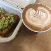 10/8/2018 tarihinde Jessica G.ziyaretçi tarafından Blue Bottle Coffee'de çekilen fotoğraf